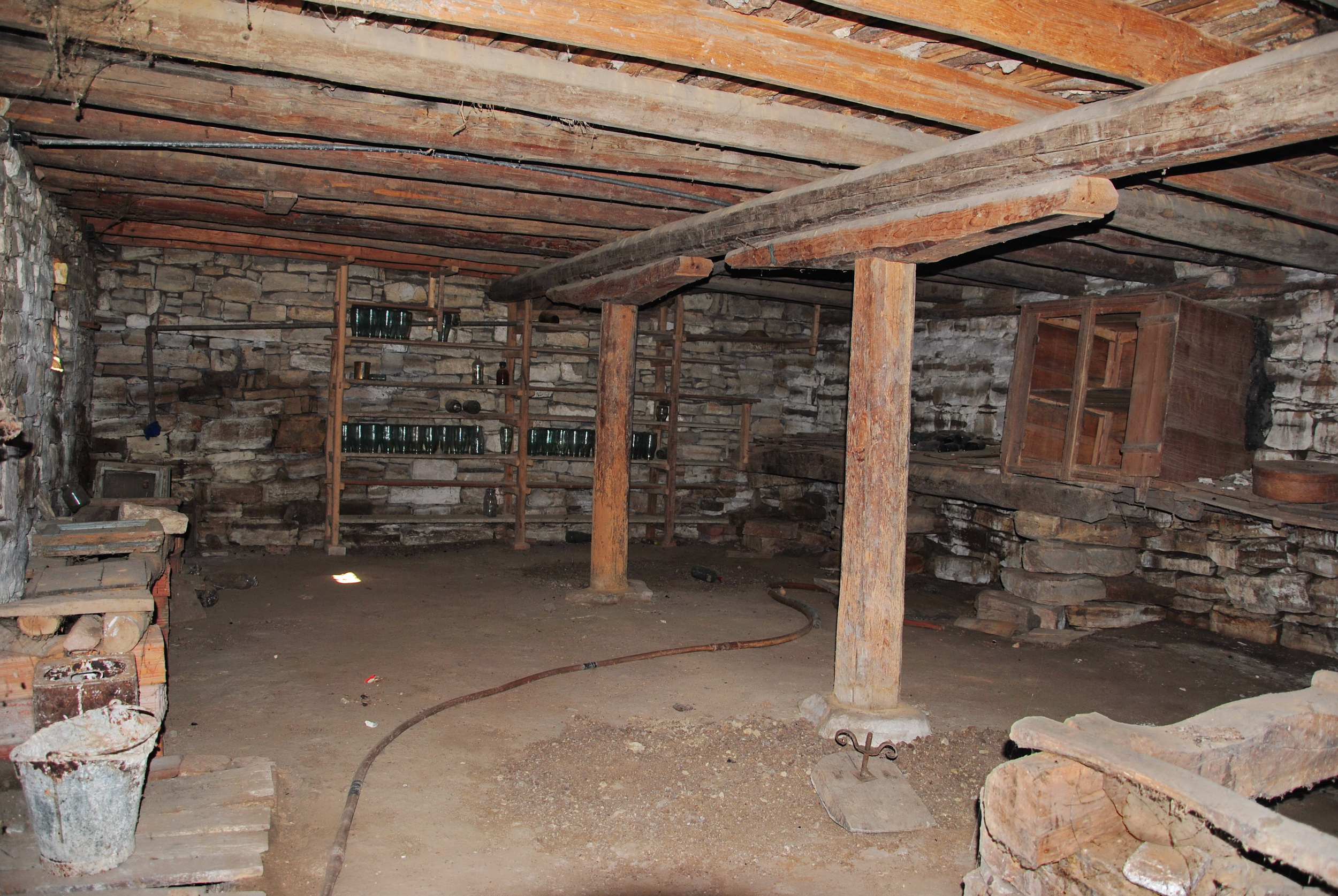 ENORMOUS OPEN PLAN STONE BASEMENT!!! (1)